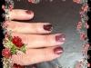 Vernis permanent bordeaux et noir,paillettes, dessin au gel paint et foil doré rouge